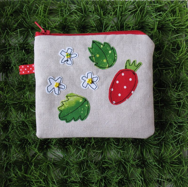 Pouch 592